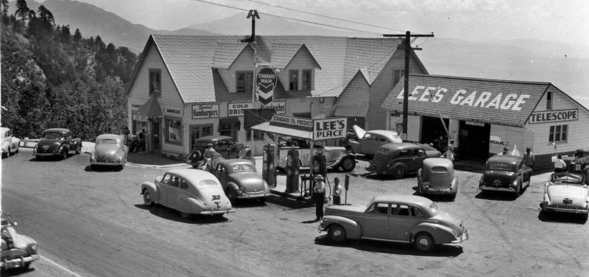 Lee's Garage and Cafe - Crestline (Arrowhead Highlands), California U.S.A. - date unknown